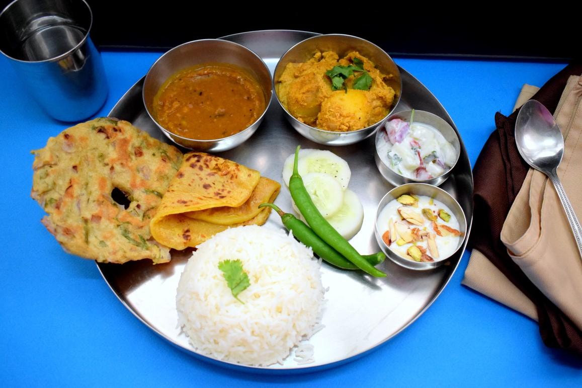 Dhapate - Maharashtrian Thali